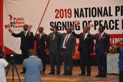 Presidential-Candidates-pose-for-a-group-photo
